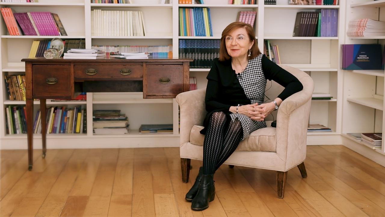Entrevista del Fondo Nacional de las Artes a la autora en el Día del Escritor