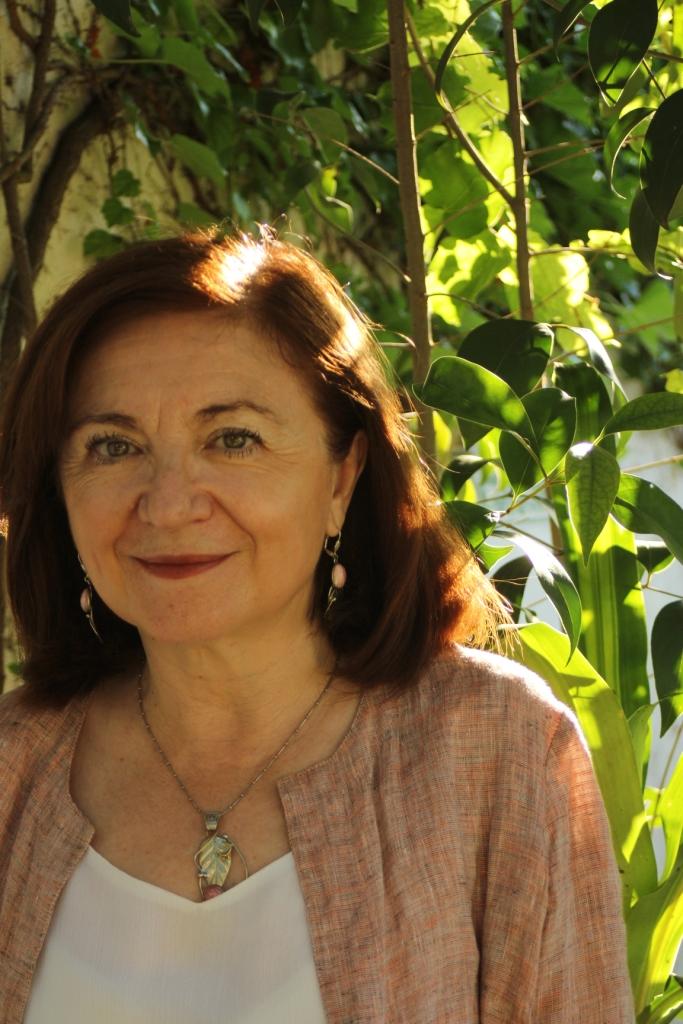 """María Rosa Lojo, íntima. """"Los traumas de guerra se trasladan generacionalmente"""". Entrevista de Laura Galarza. Fundación La Balandra, 8 de junio"""
